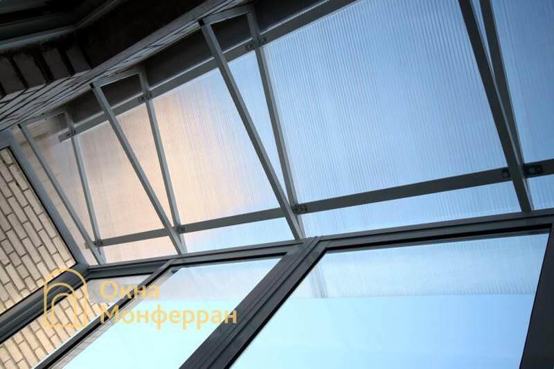 Балкон с крышей из поликарбоната Авиагородок