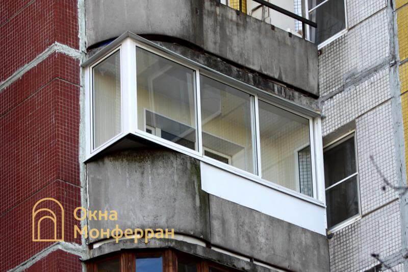 Остекление балкона с выносом в 137 серии шос. Пулковское