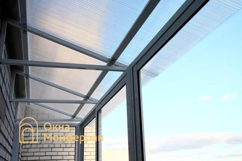 Остекление балкона с крышей из поликарбоната Авиагородок