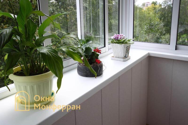 Остекление и отделка балкона с выносом в панельной хрущевке, пр. Юрия Гагарина