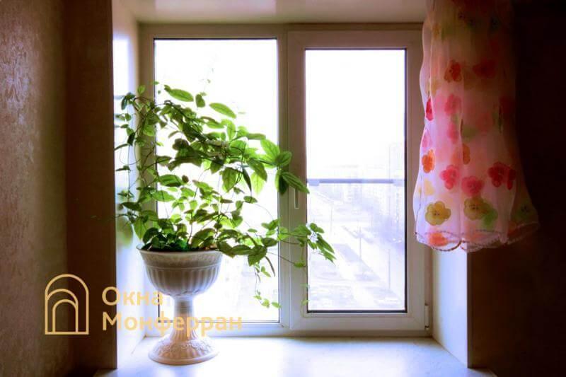 Пластиковое окно в кирпичной брежневке, ул. Учительская