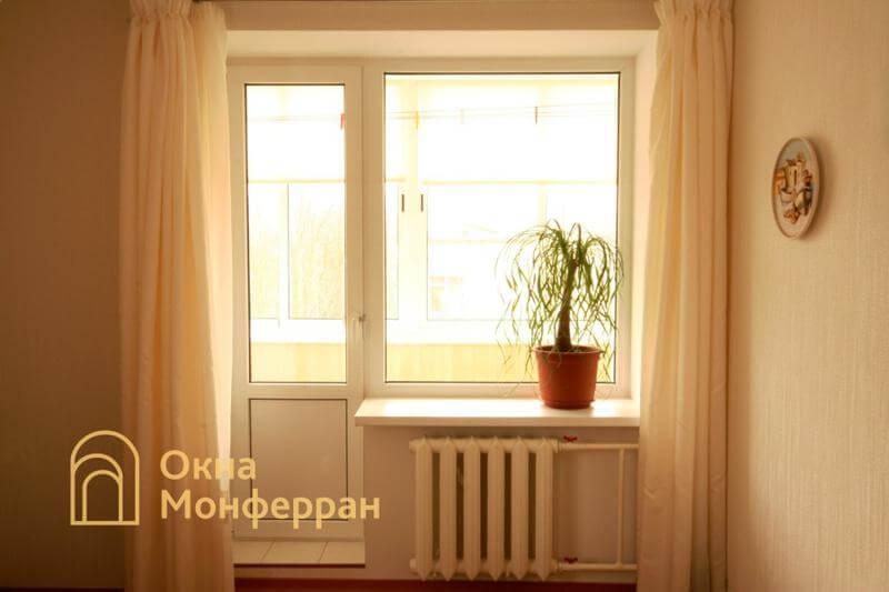 Пластиковое окно с дверью в кирпичной брежневке, ул. Лени Голикова