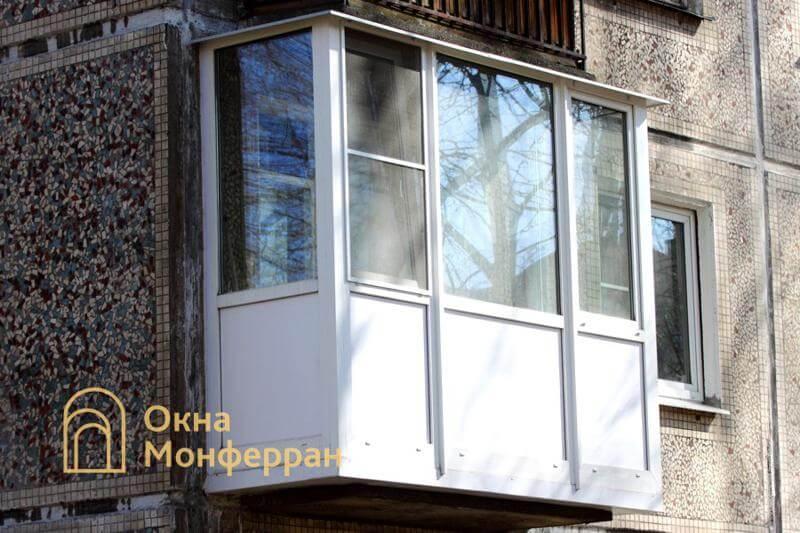 Остекление балкона с выносом пола в панельной хрущевке, пр. Полюстровский