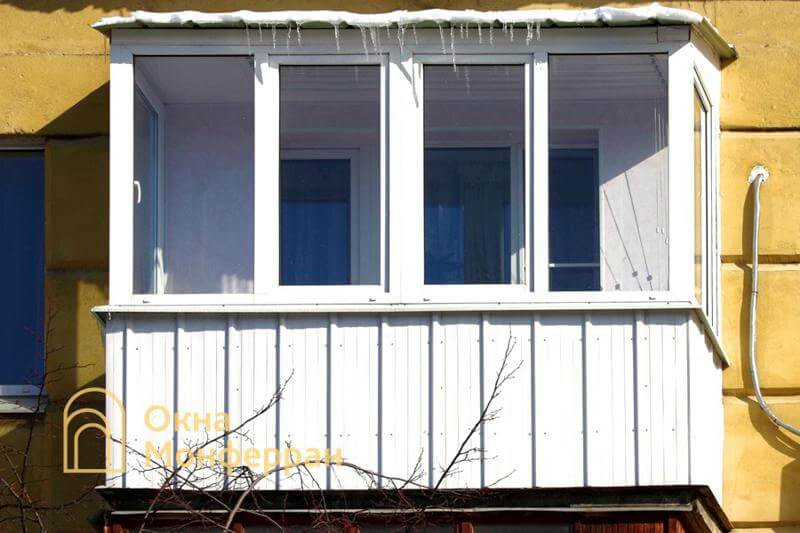 Остекление балкона с крышей в панельной хрущевке, ул. Ленсовета