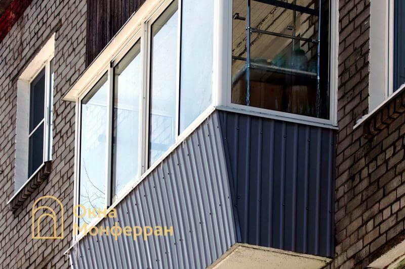 Остекление балкона с выносом в кирпичной хрущевке, ул. Дивенская