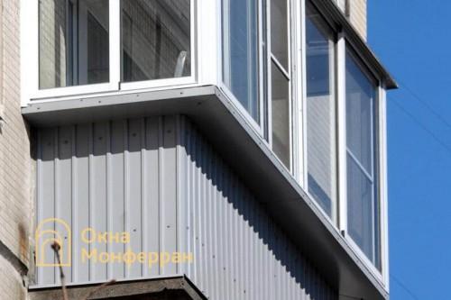 29 Остекление балкона с выносом в брежневке пр Энергетиков