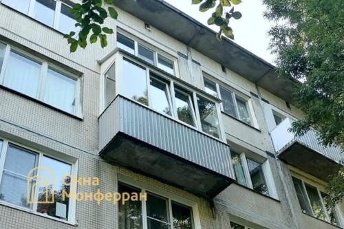 13 Остекление балкона с крышей в хрущевке